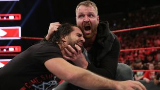 Dean Ambrose ataca a Seth Rollins en RAW
