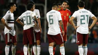 Selección Mexicana en lamento durante un encuentro ante Argentina
