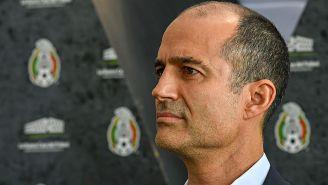 Guillermo Cantú en una ceremonia de la FMF