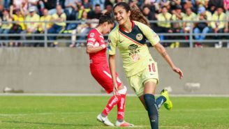 Daniela Espinosa festeja su gol contra Toluca