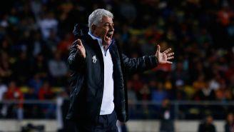 Tuca Ferretti durante un partido de Tigres