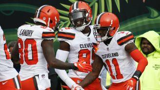 Callaway celebra su touchdown con Njoku y Landry