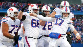 Jugadores de Bills celebran un touchdown