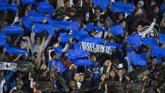Afición de Gallos muestra apoyo incondicional en Liguilla vs Cruz Azul