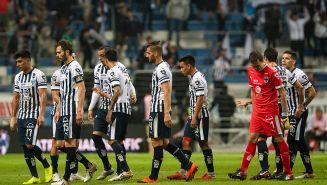 Jugadores de Rayados, desmotivados en juego contra Santos