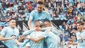 Jugadores del Celta festejan gol vs Huesca