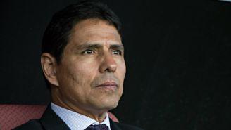 Alfonso Sosa sigue de cerca las acciones de sus pupilos