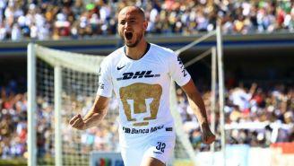 Carlos González festeja su gol contra Tigres en CU