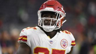 Kareem Hunt durante un partido de Kansas City Chiefs