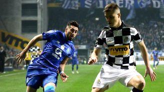 Herrera lucha por el balón en el juego del Porto ante Boavista
