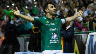 Boselli festejando un gol con León