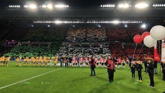 Aficionados despliegan mosaico en las gradas del Estadio del PSV