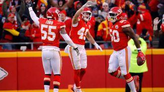 Jugadores de los Chiefs celebran el triunfo