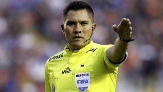 Fernando Guerrero en acción durante un partido entre Gallos y Veracruz