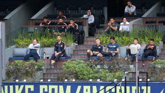 Miguel Herrera y jugadores presentes en la Final Femenil