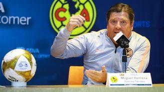 Miguel Herrera durante una conferencia de prensa