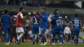 Jugadores de La Máquina celebran pase a la Final de la Liga MX