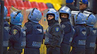 Policías durante un partido en el Coloso de Santa Úrsula