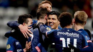 Jugadores de PSV celebran triunfo sobre Heracles