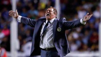 Miguel Herrera reclama en un partido