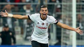 Pepe celebrando un gol con el Besiktas