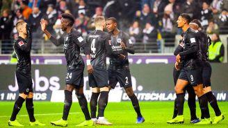 Frankfurt celebrando el primer gol ante el Leverkusen
