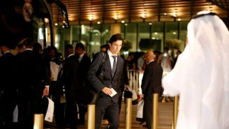 Santiago Solari ingresa al Hotel Four Seasons de Abu Dabi