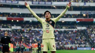 Edson Álvarez celebra una anotación en la Final del A2018