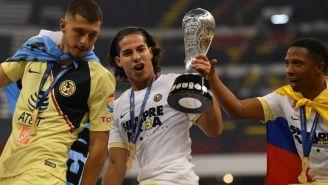 Diego Lainez festeja el título de América