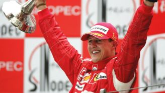 Michael Schumacher celebra un triunfo