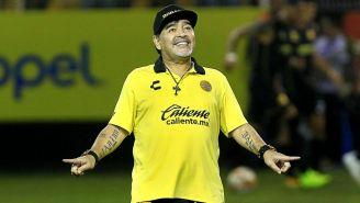 Maradona durante un encuentro ante el Atlético de San Luis