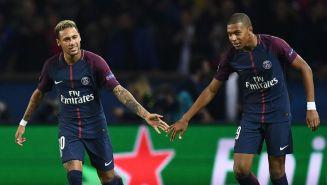 Neymar y Mbappé celebran gol con el PSG