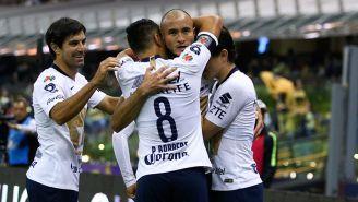 Carlos González festeja un gol contra América