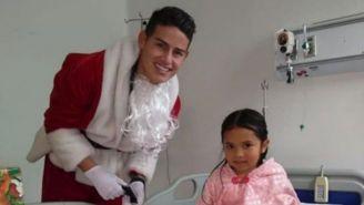 James Rodríguez disfrazado de Santa Claus