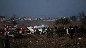 Elementos de seguridad, en el lugar donde se desplomó helicóptero