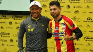 Carlos Adrián Morales y Roberto Hernández, durante conferencia de prensa