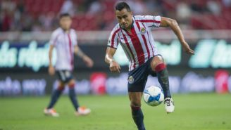 Edwin Hernández, durante un partido con las Chivas