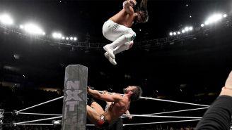 Andrade 'Cien' Almas en su lucha contra Johnny Gargano
