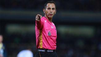 Luis Enrique Santander, durante un duelo de Liga MX
