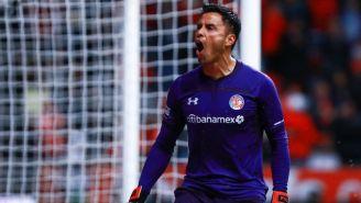 Talavera festeja un gol del Toluca