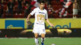 Diego Rosales en un partido de Pumas