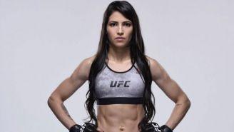 Viana posando para UFC