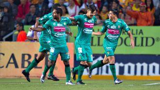 Jugadores de Jaguares celebran una anotación