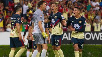 Jugadores de América celebran en el Jalisco