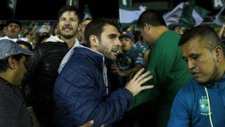 Boselli ingresa a las tribunas del Estadio León