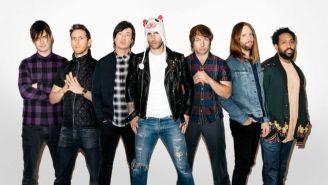 Maroon 5 posa en sesión fotográfica