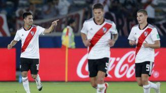 Jugadores de River Plate festejan un gol