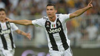 Cristiano Ronaldo festeja gol con el que la Juve ganó Supercopa de Italia