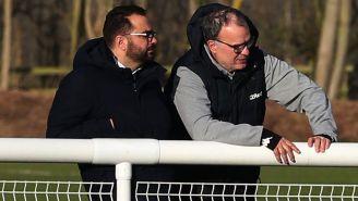 Bielsa observa entrenamiento del Leeds