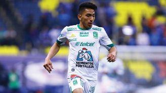 Ángel Mena durante el partido contra Cruz Azul